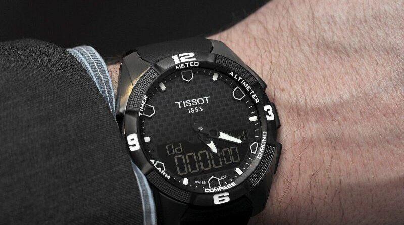 Solar wristwatch
